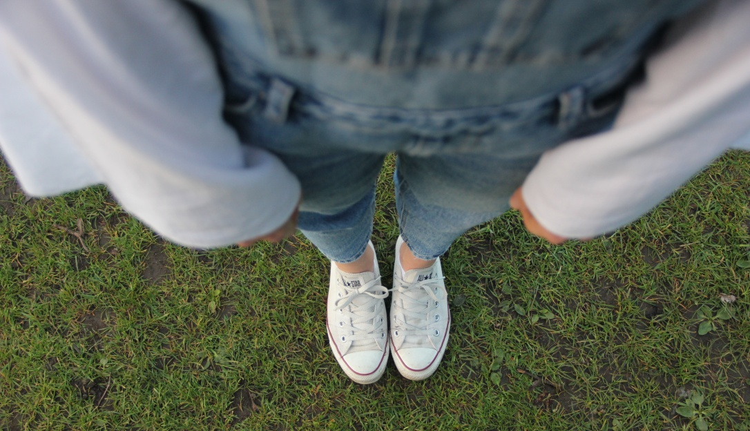 Converse and dungarees