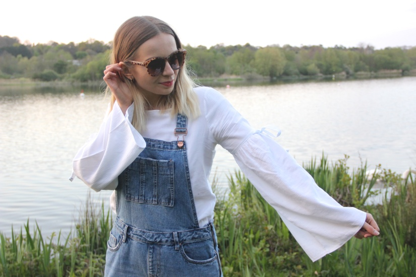 Flared sleeves and dungarees