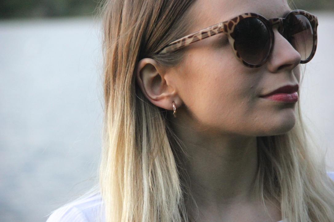 Sunglasses and rose gold hoops