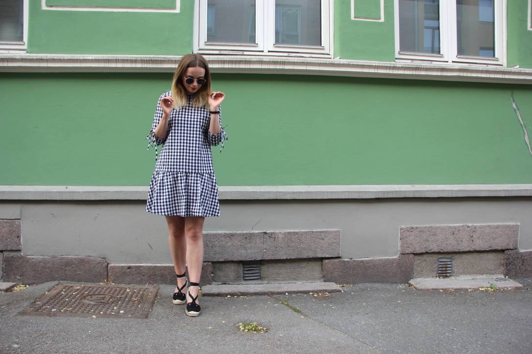 Gingham dress and black espadrilles