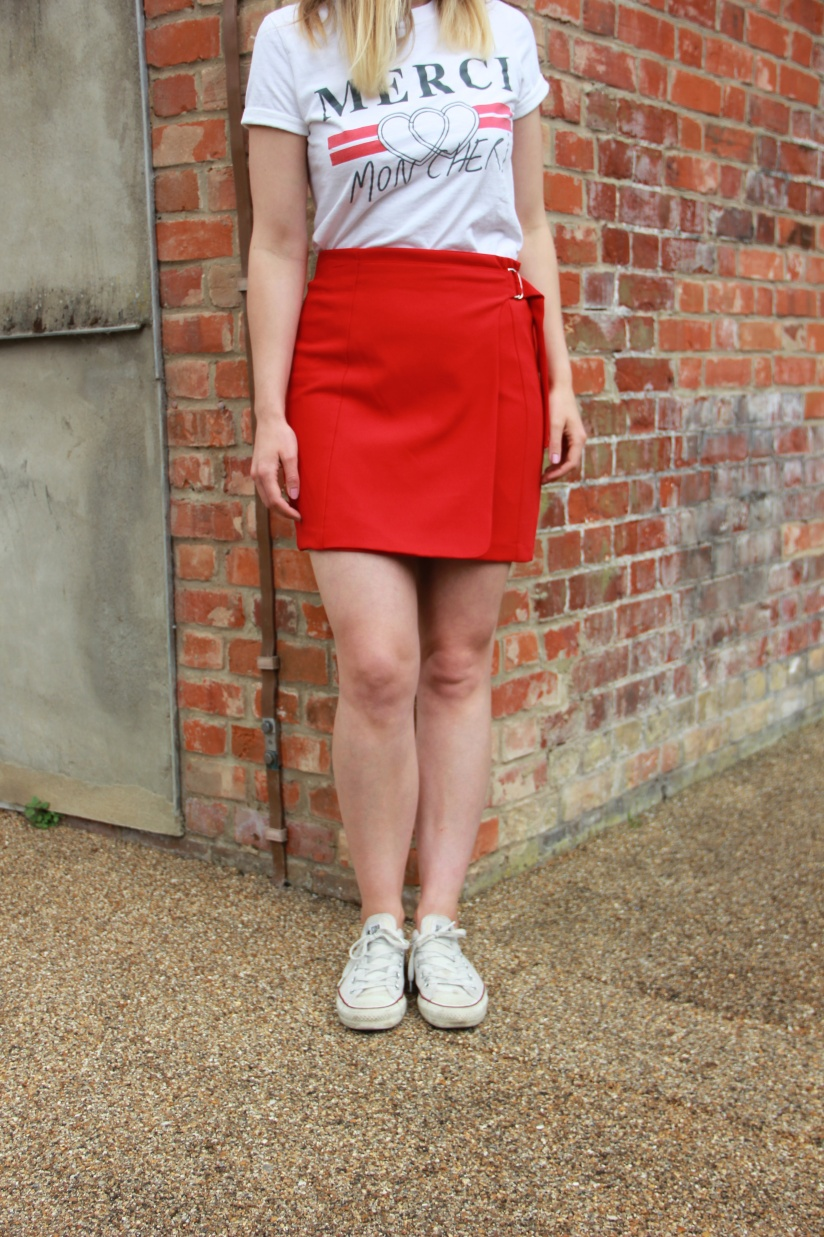 Red skirt outfit photo