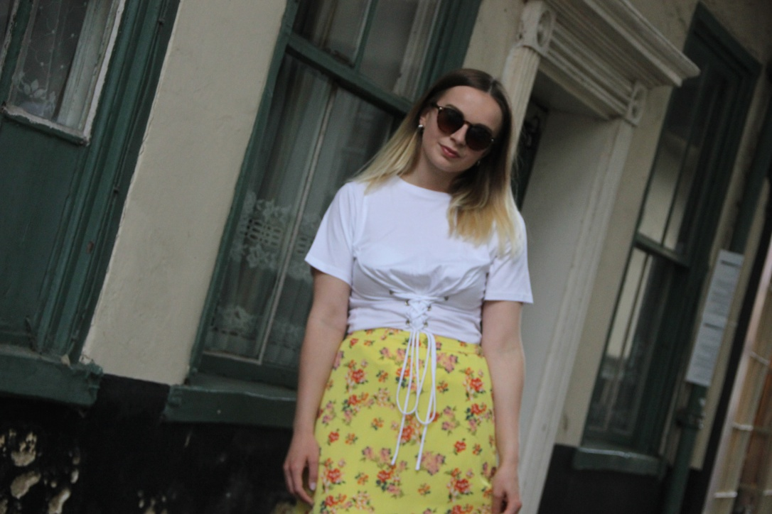 Ways to style yellow