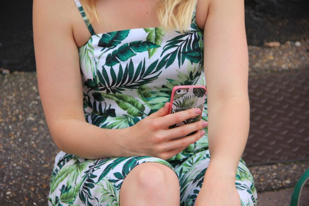 GoCustomized palm print phone case