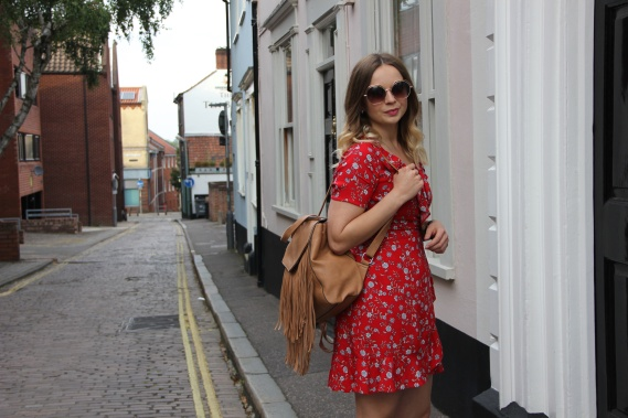 Ways to style a tea dress