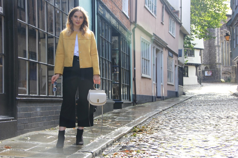 Fauc suede jacket outfit