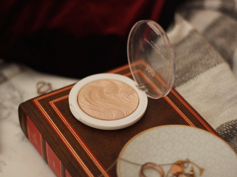 MUA Undress your skin highlighter powder review