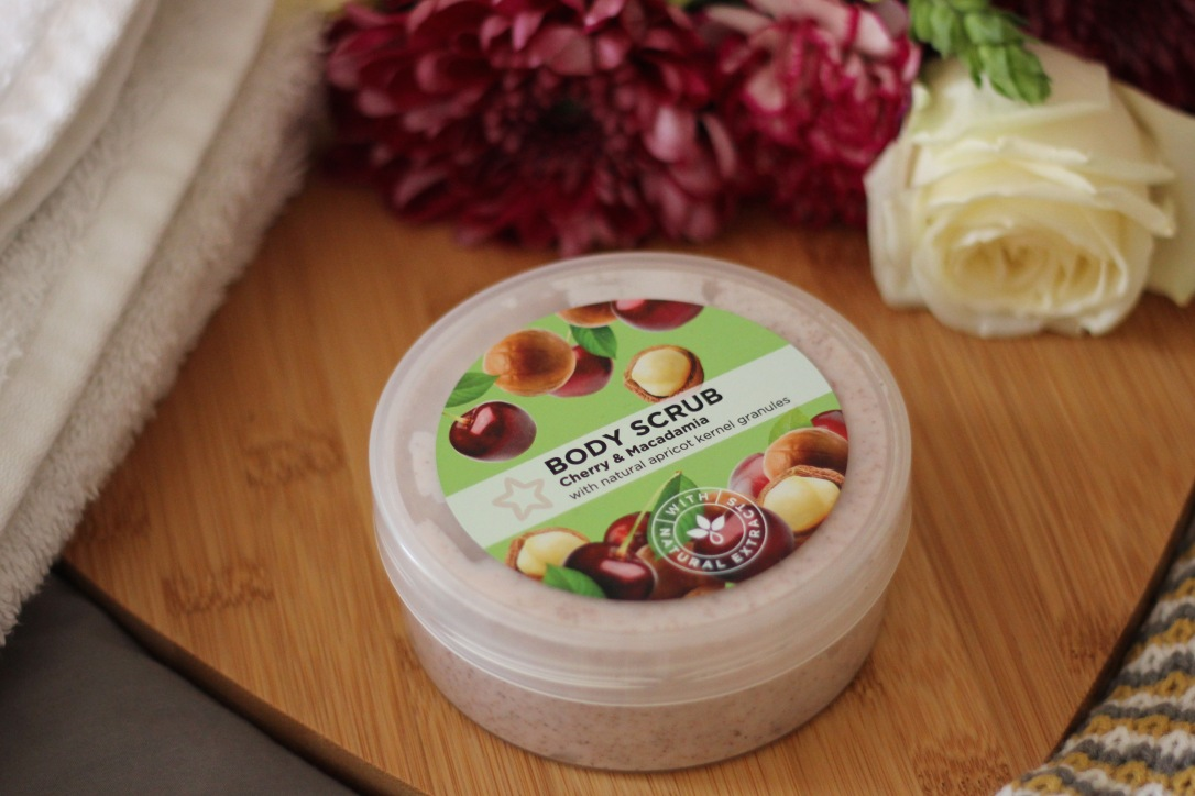 Superdrug Cherry and Macadamia Body Scrub Review