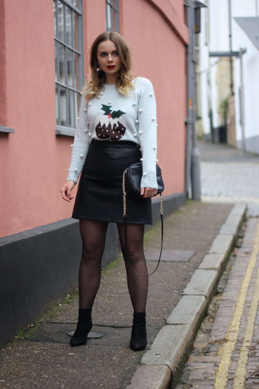 Christmas jumper outfit ideas