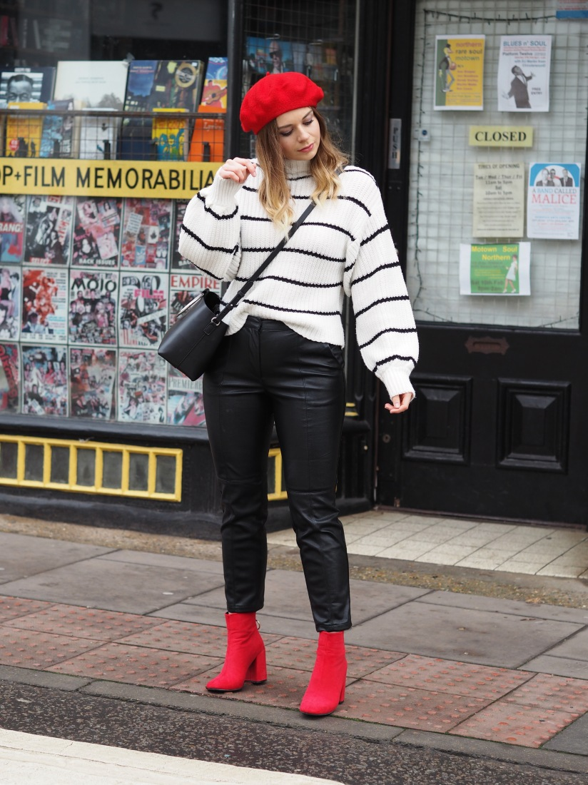What to wear with red accessories