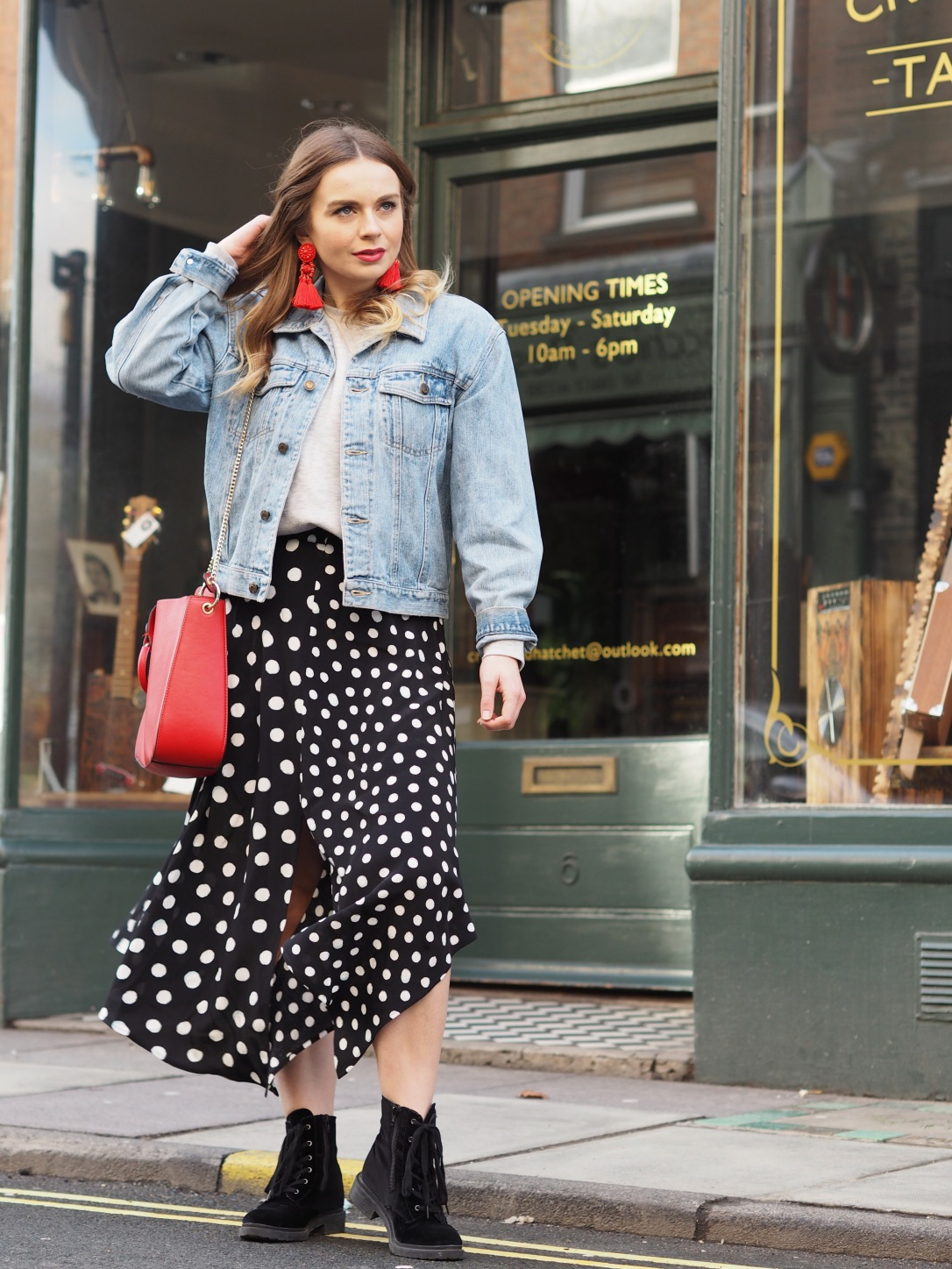 How to style a vintage denim jacket