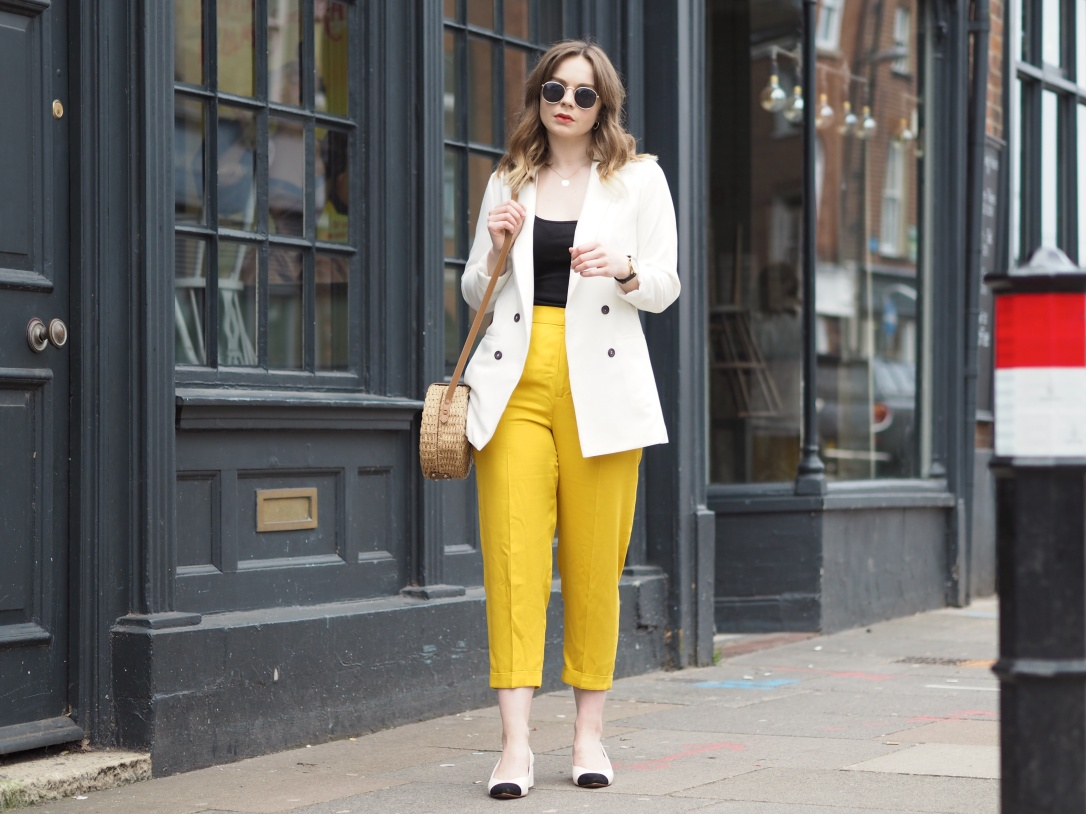 How to style yellow trousers