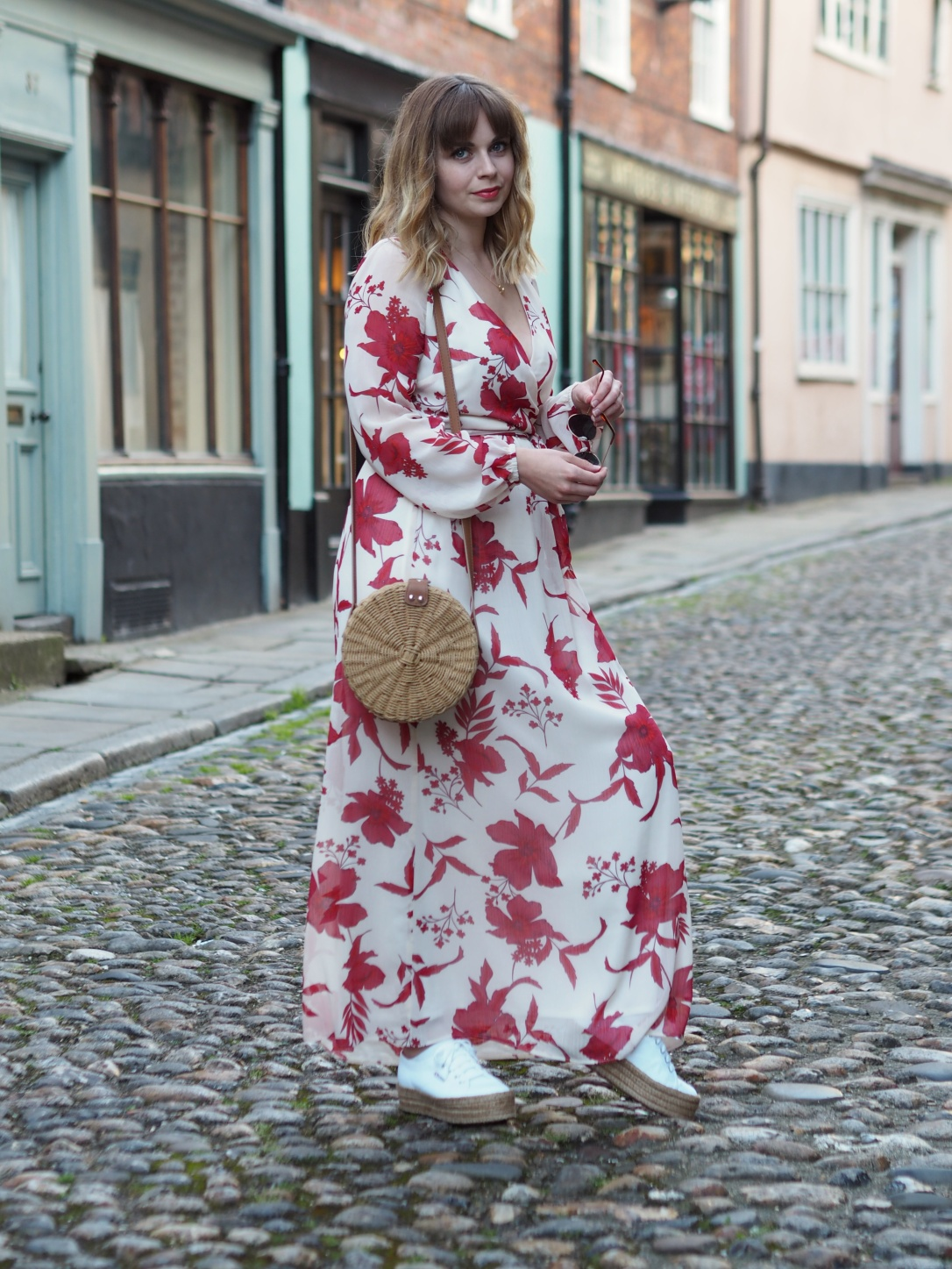 Maxi dress with trainers