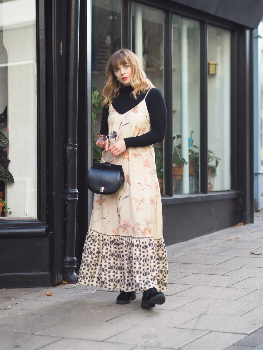 How to wear a summer dress in autumn
