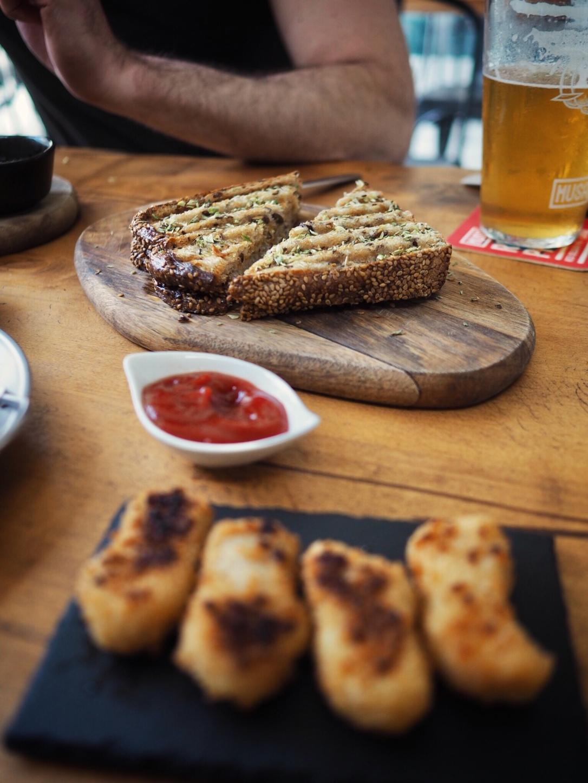 Where to eat vegan in Porto - Apuro Vegan Bar
