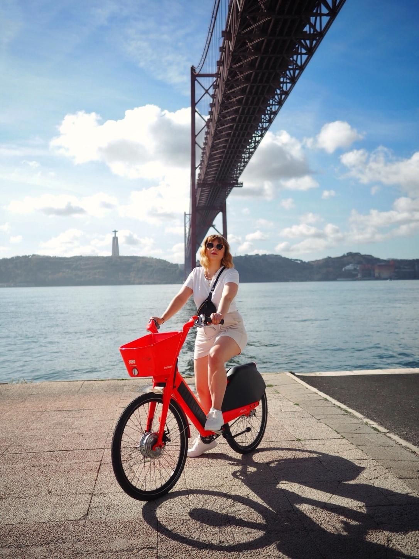 Hiring Jump bikes in Lisbon
