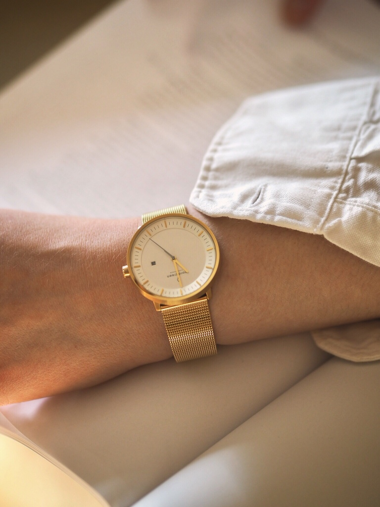 The Philosopher gold watch with white dial from sustainable brand Nordgreen - a review